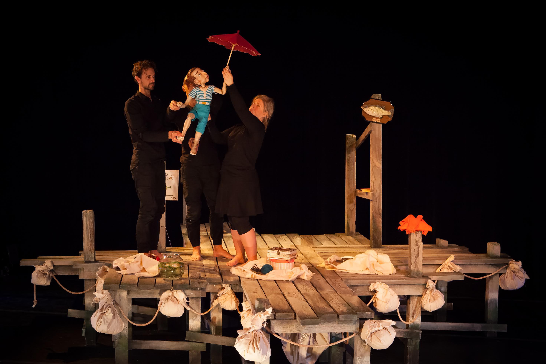 Spectacle de marionnette du Théâtre de l'Avant-Pays nommé Mémoire de Lou